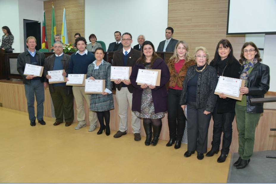 Entidades Educacionais e religiosas foram homenageadas durante a cerimônia