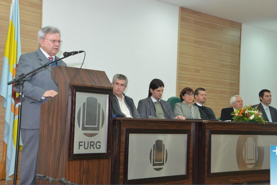 Professor Oswaldo José de Paula Barbosa foi homenageado pelas contribuições prestadas ao longo de 25 anos