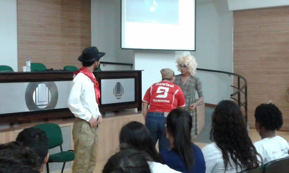 Apresentação teatral durante a cerimônia
