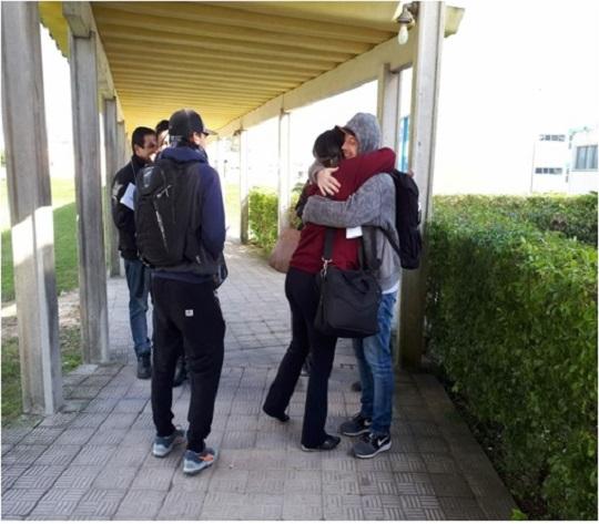 O projeto Abraço Amigo, idealizado pelo curso de Biblioteconomia da FURG, aconteceu na última sexta-feira, 15